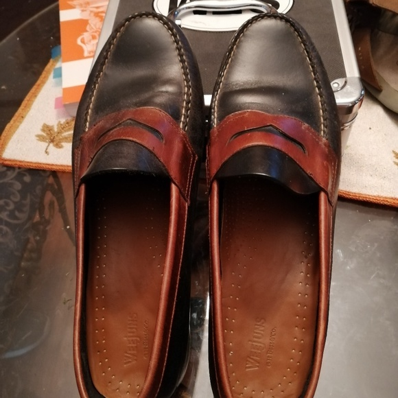 Bass Other - Bass Weejuns penny loafers